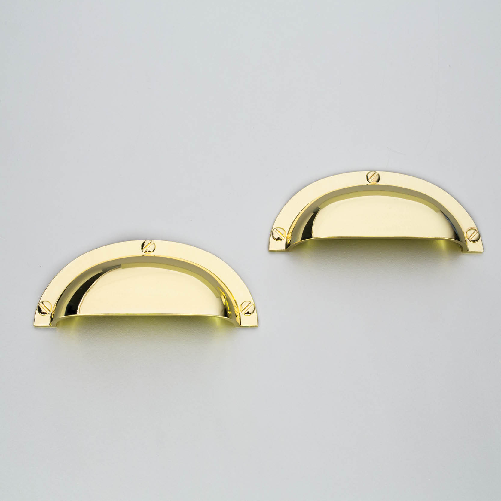 Polished Brass D369 Traditional Shell Handle