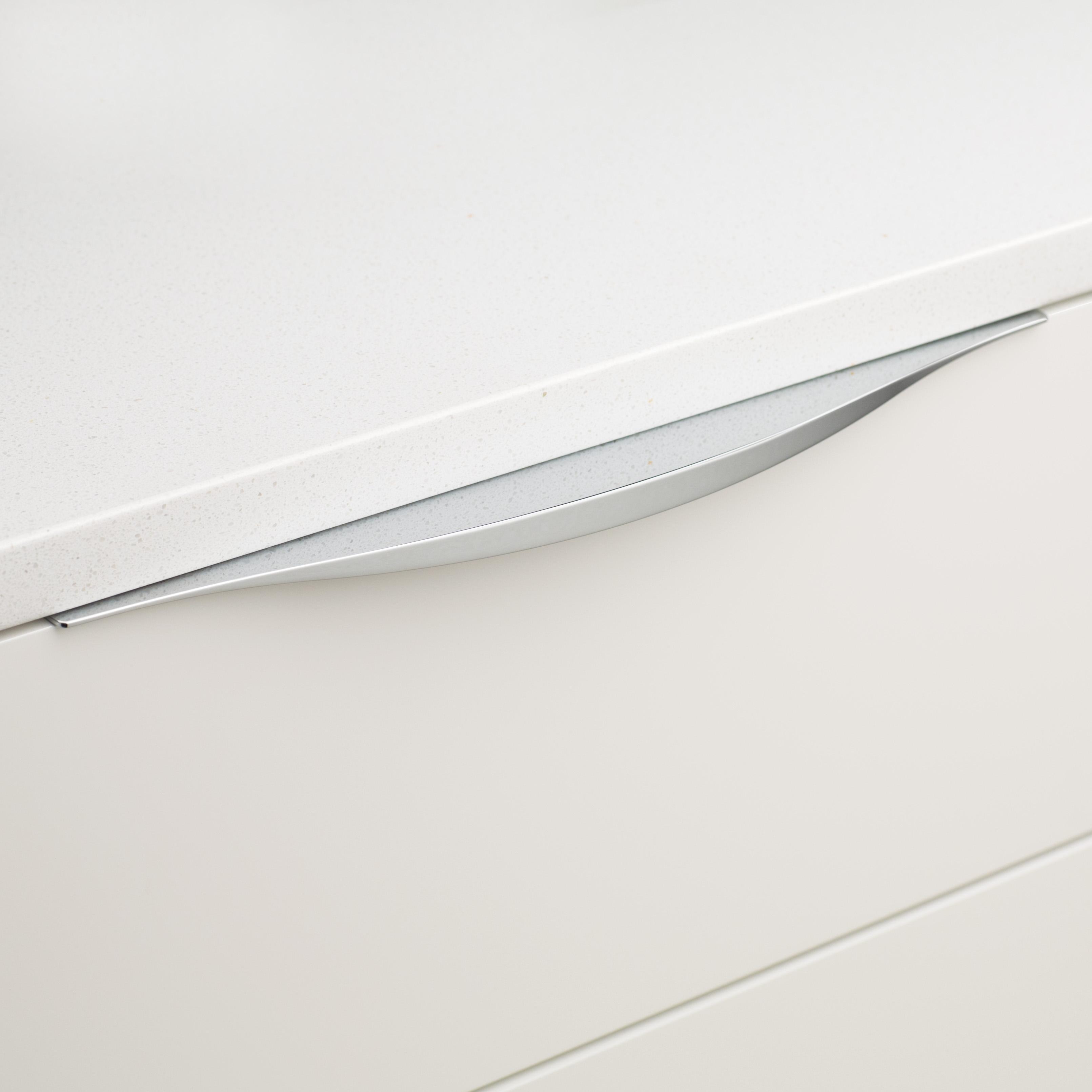 Cabinet Edge Lip Pull DL830 Chrome