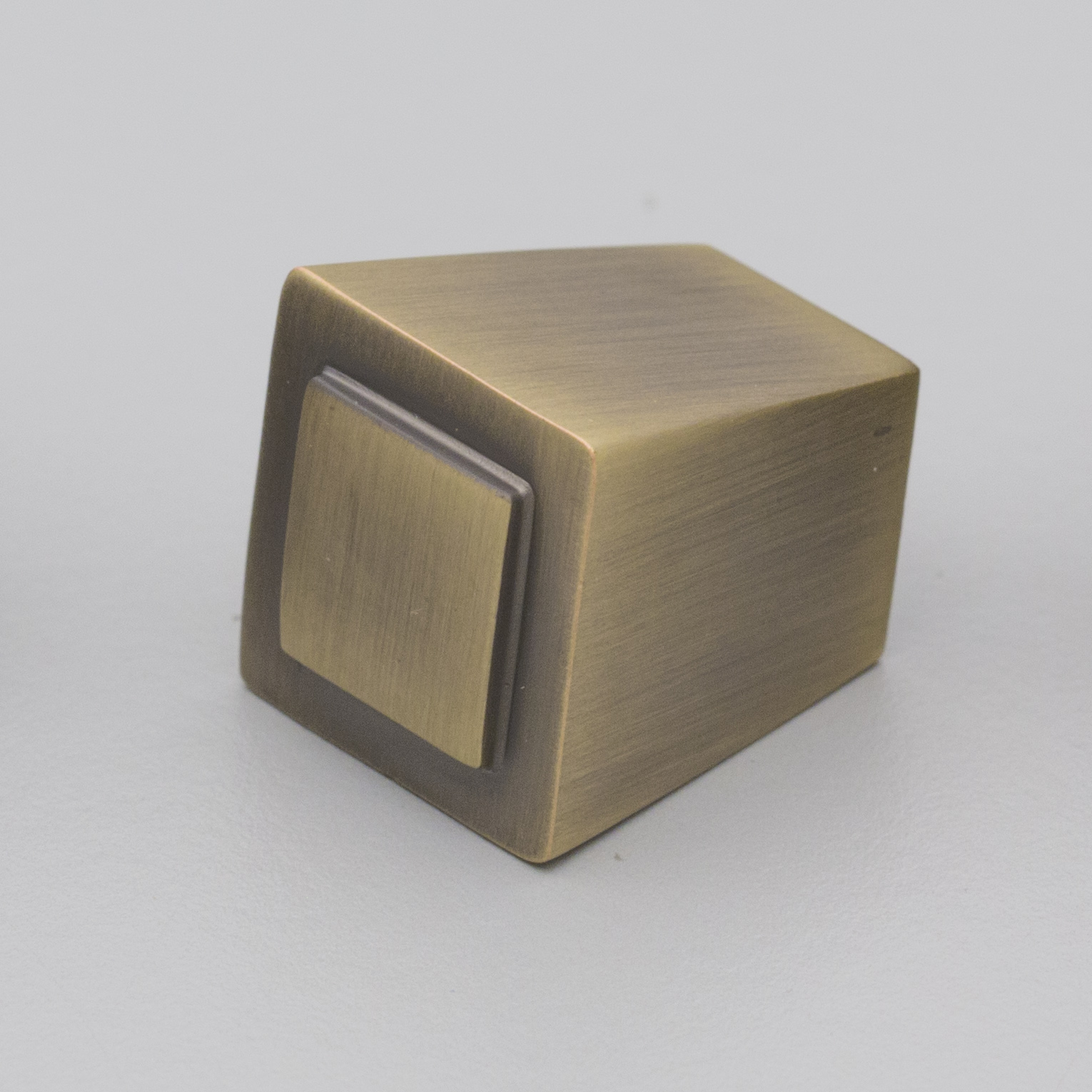 Antique Brass Shaker Style Square Knob HT346