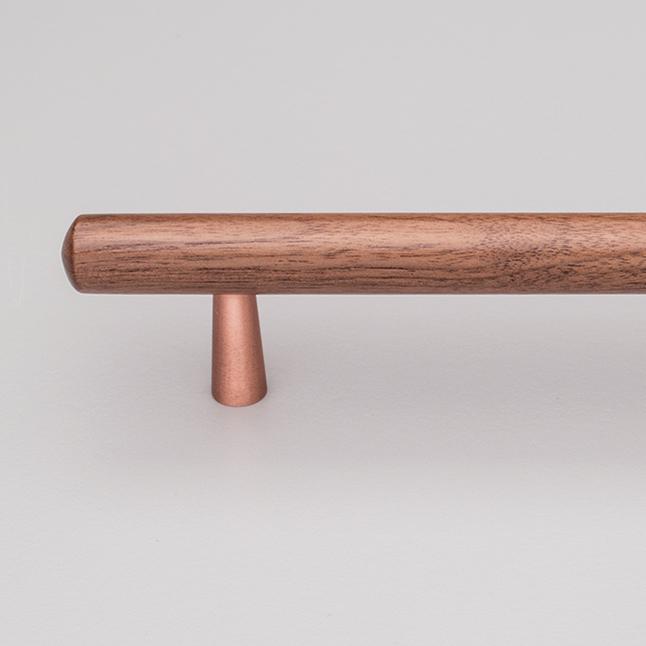 L7763 Tilla Handle Timber Walnut & Copper