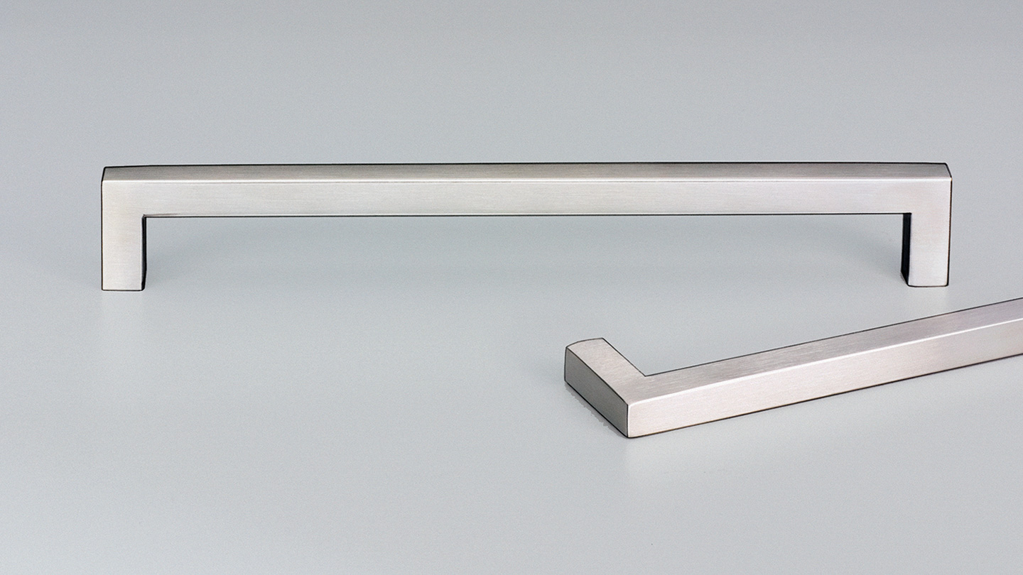 E2106 SIENA stainless D handle 10mm square section  : Kethy