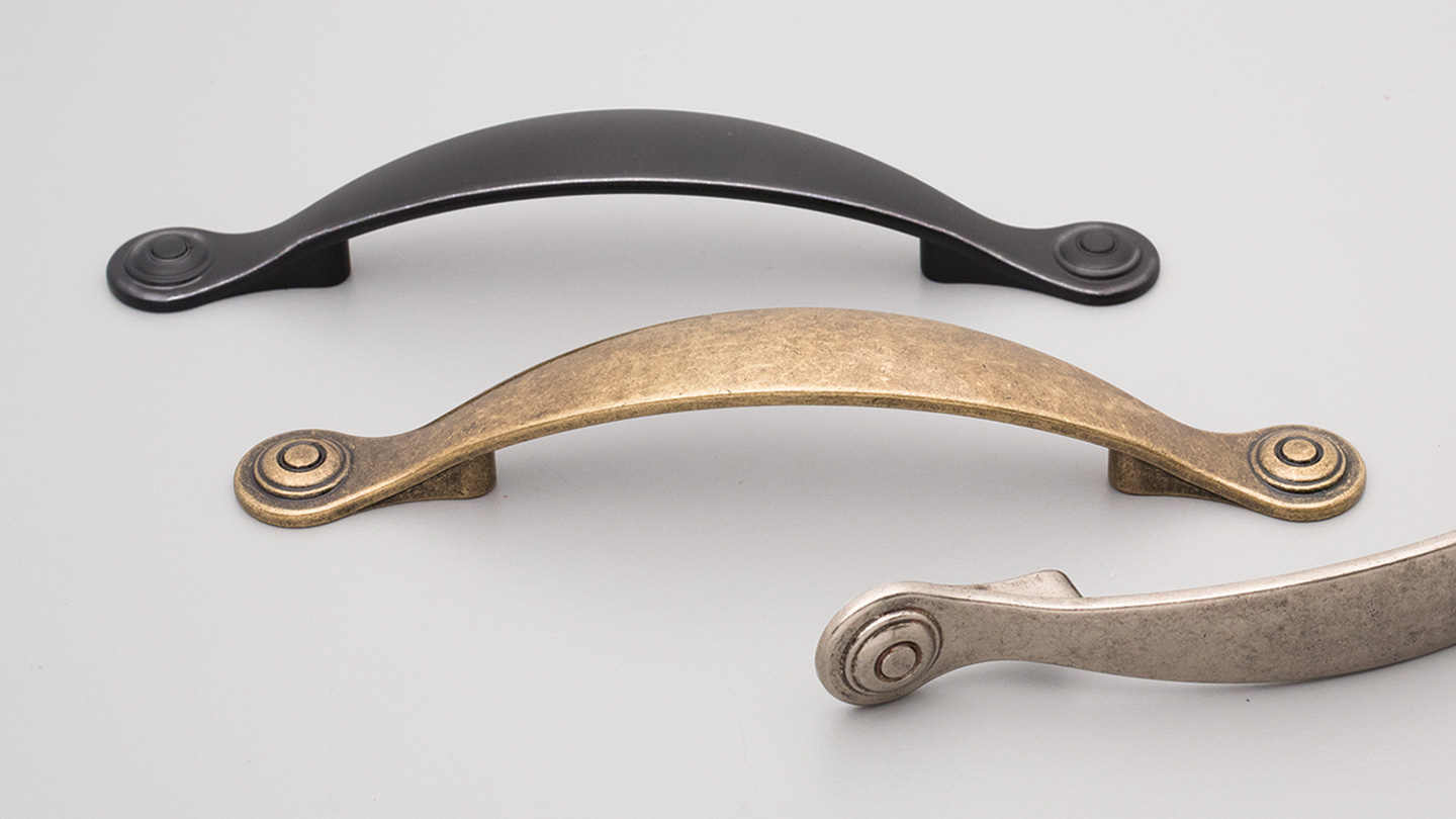HT013 Hampton / Shaker rounded bow handle for Kitchen handle, cabinet handle, bathroom handle, kitchen hardware. colours Antique Brass Gloss (ABG),Antique Brass Matt (ABM),Antique Copper Effect (CE),Matt Black (MBK),Oxidised Tin Gloss (OTG),Oxidised Tin Matt (OTM) mm, size overall 162 mm hole centre distance 96 mm