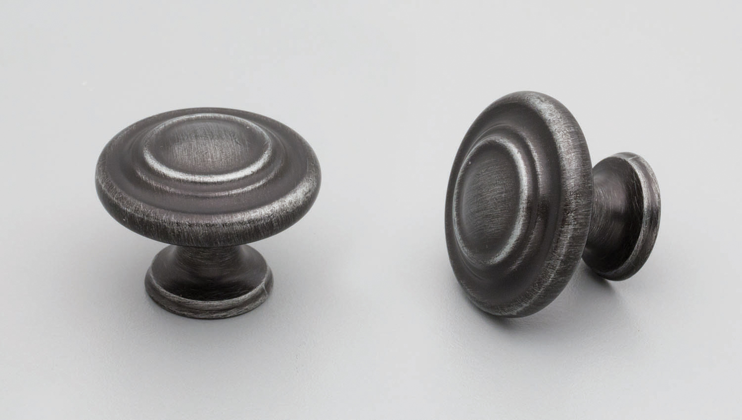 HT662 Hampton / Shaker round knob button centre for kitchen,bedroom,furniture colours Antique Black (ABK) mm, size overall 33 mm