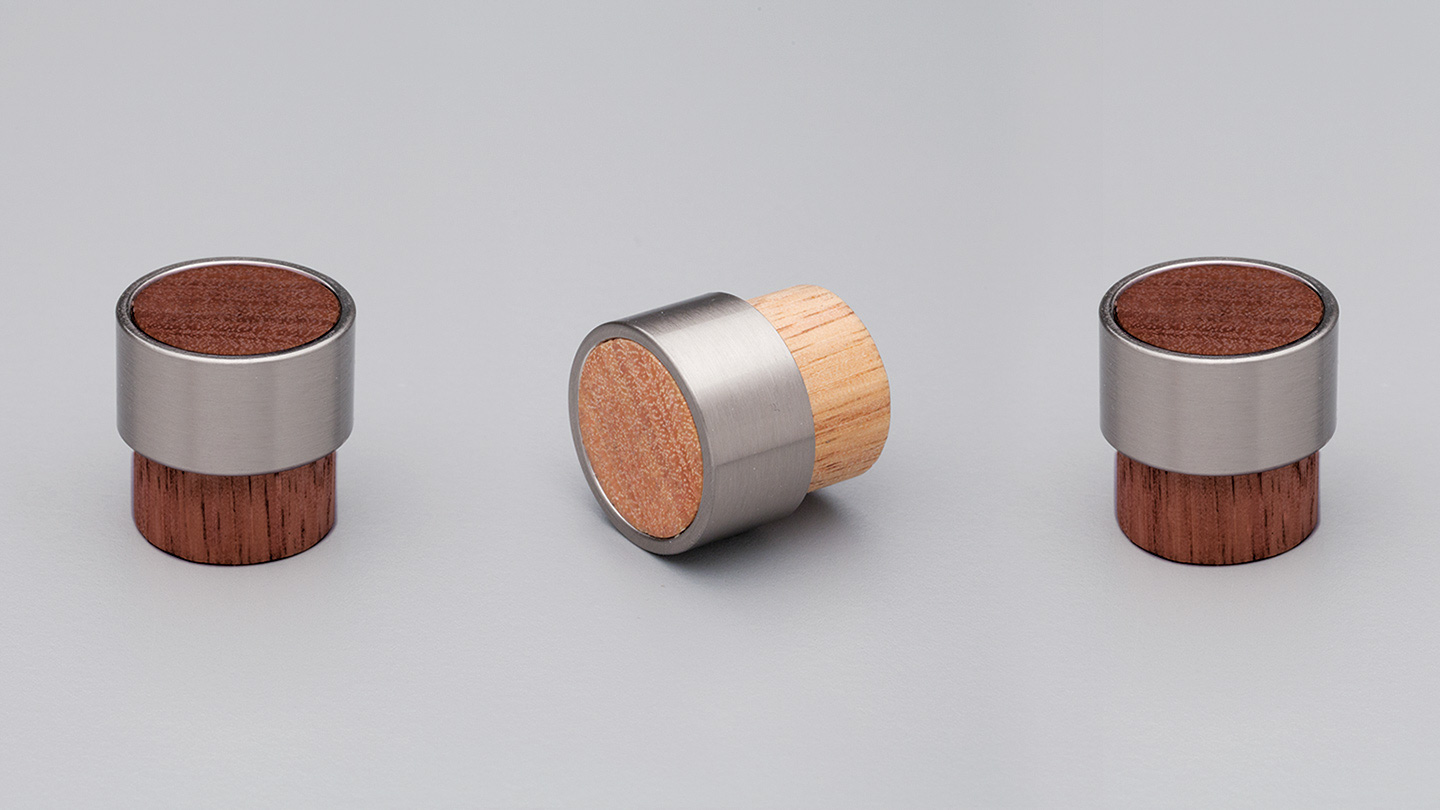 L4370_OAK_WN timber cylinder knob 26mm with metal ring for kitchen,bedroom,furniture colours Black Painted with Stainless Effect Ring (BKSE),Oak with Stainless Effect Ring (OAKSE),Walnut with Stainless Effect Ring (WNSE),White Painted with Stainless Effect Ring (WTSE) mm, size overall 26 mm