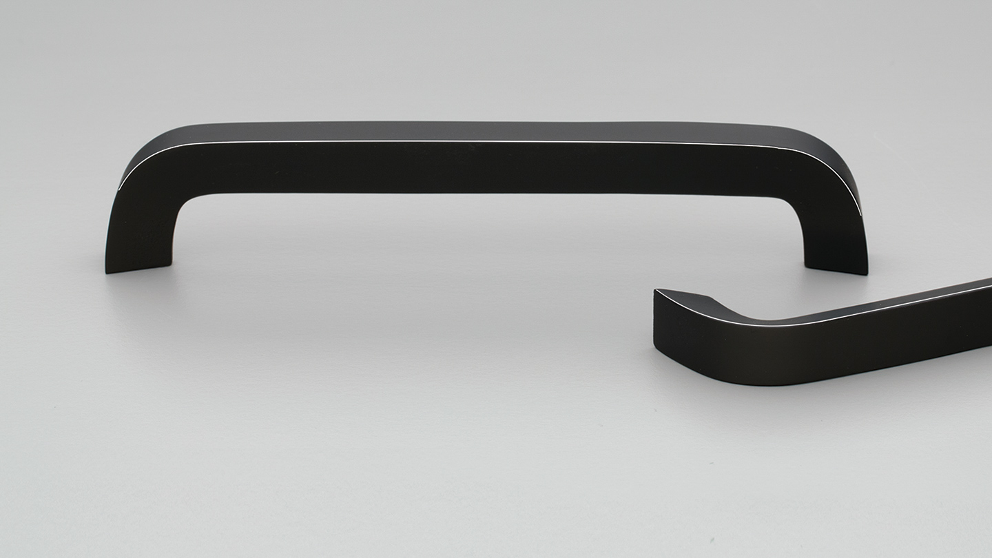L7796_BK timber rounded D handle 15mm tapered section for Kitchen handle, cabinet handle, bathroom handle, kitchen hardware. colours Black (BK),Oak (OAK),Walnut (WN) mm, size overall 176,240 mm hole centre distance 160,224 mm